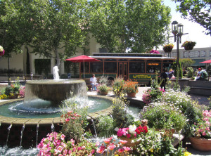 Broadway_Plaza_Shopping_Center_-_Walnut_Creek,_California