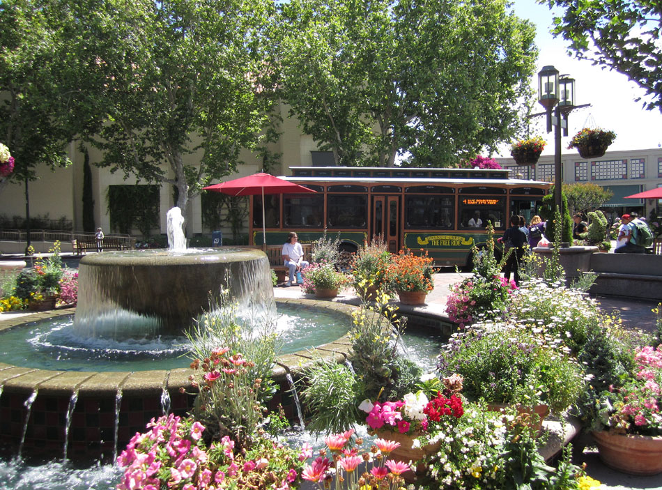 broadway_plaza_shopping_center_-_walnut_creek_california