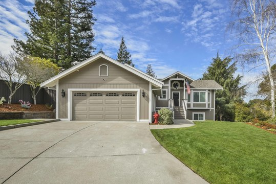 Open House at 407 Midway Pl. (Martinez) this weekend!