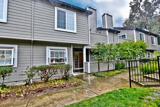 New Listing at 505 Canyon Oaks F in Oakland